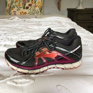 Brooks Running Sneakers Size 9.5